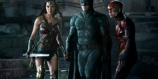 justice-league-film-trailer-comparison-video