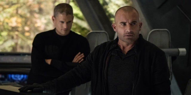 legends of tomorrow 03x10 4