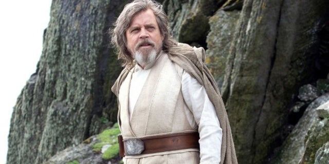 Luke-Skywalker-Star-Wars-The-Last-Jedi-Silent-Tweets