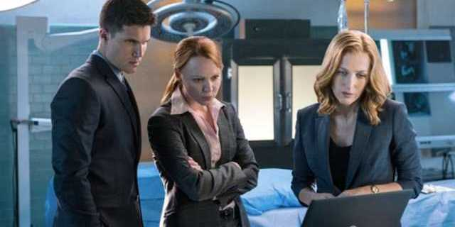 robbie-amell-lauren-ambrose-gillian-anderson-x-files