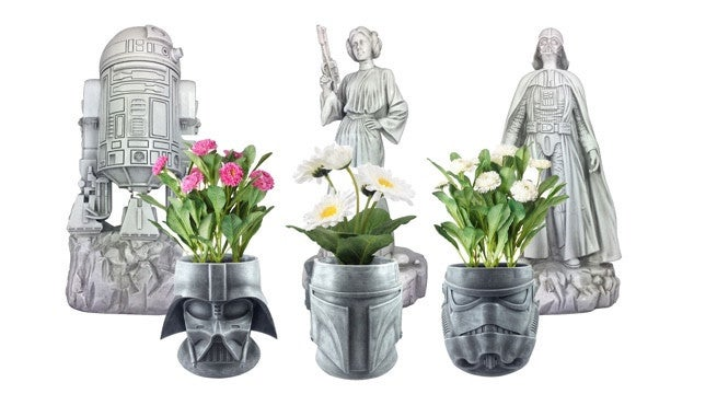 39 star wars 39 stone plant pots and statues for a garden in a. Black Bedroom Furniture Sets. Home Design Ideas