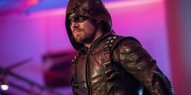 'Arrow': Oliver Is Going to Pay a Price in Season 6 Finale