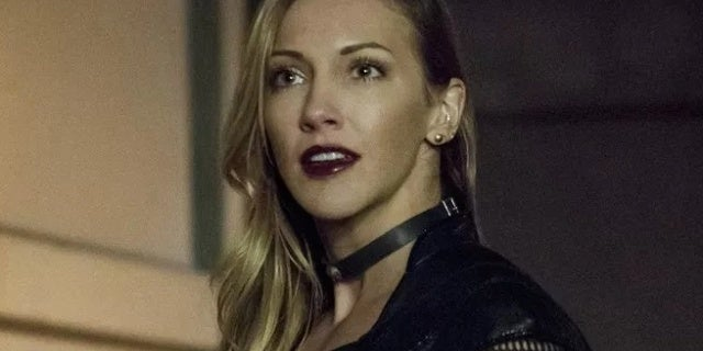 arrow black siren