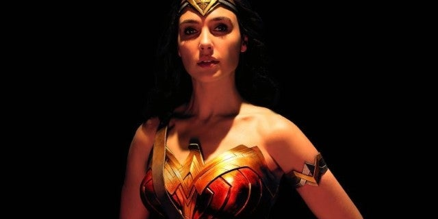 justice-league-wonder-woman-gal-gadot-approach