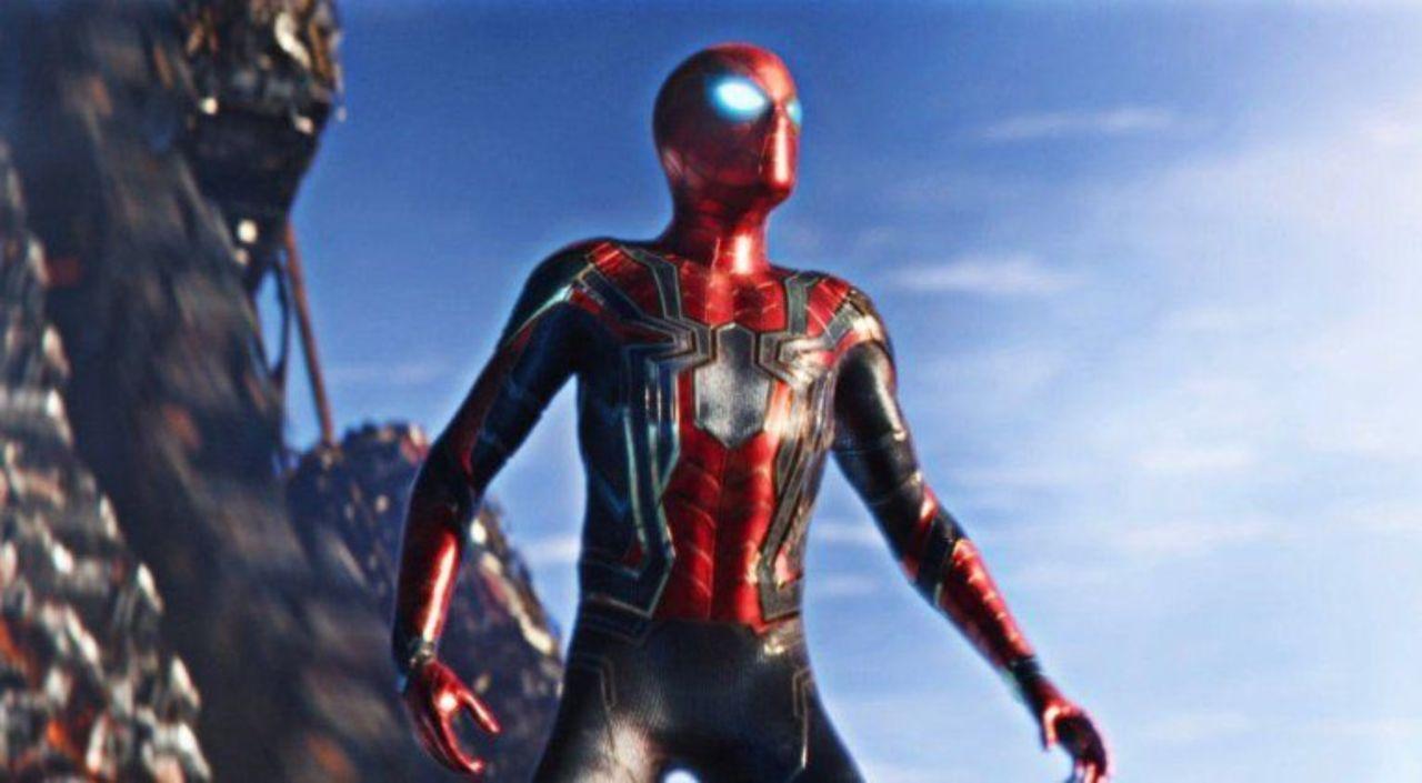 Avengers infinity war iron spider maskless version in - Spider man infinity war wallpaper ...