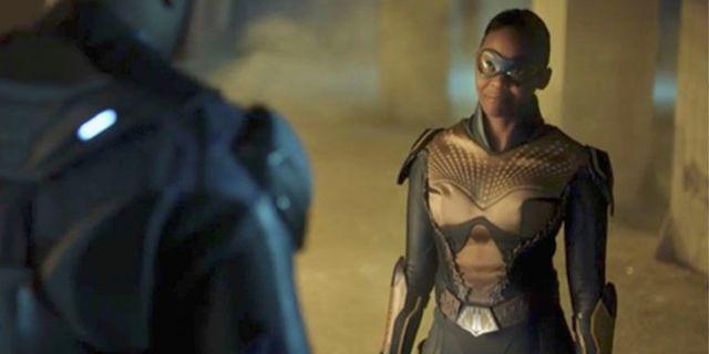black lightning thunder new suit