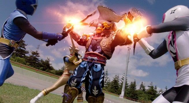 Power-Rangers-Super-Ninja-Steel-Speed-Wing-1