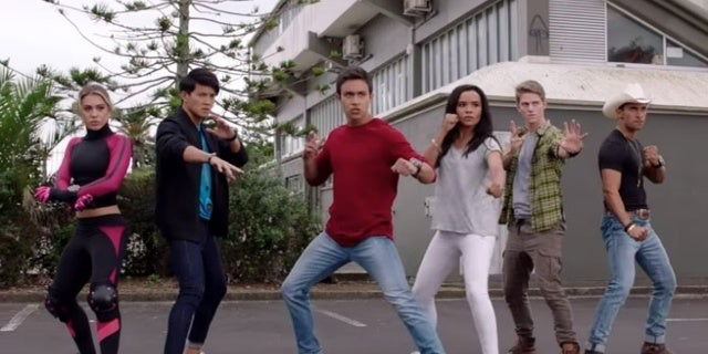 Power-Rangers-Super-Ninja-Steel-The-Need-For-Speed-Clip