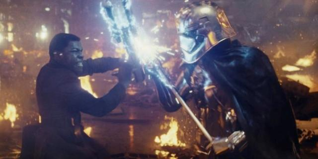star-wars-the-last-jedi-john-boyega-finn-phasma-fight