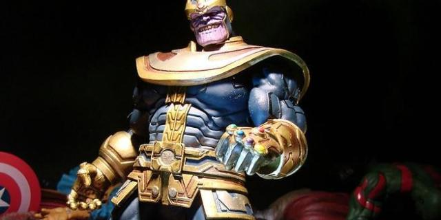 marvel-select-thanos-figure-top