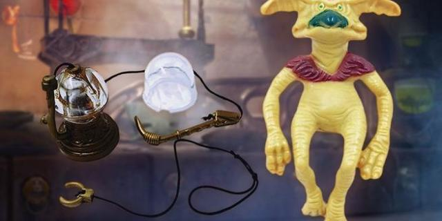 vintage-star-wars-kenner-accessories-top