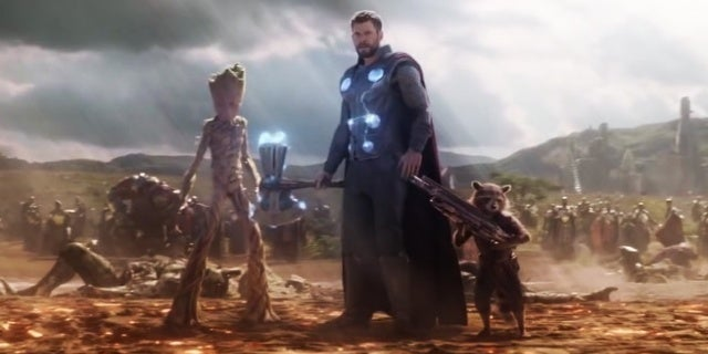 Avengers-Infinity-War-Thor-Groot-Rocket-Stormbreaker