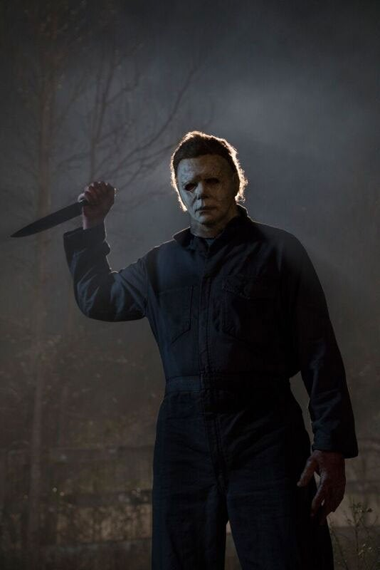 Halloween 2018 Michael Myers Knife.Michael Myers Strikes In New Halloween Photo