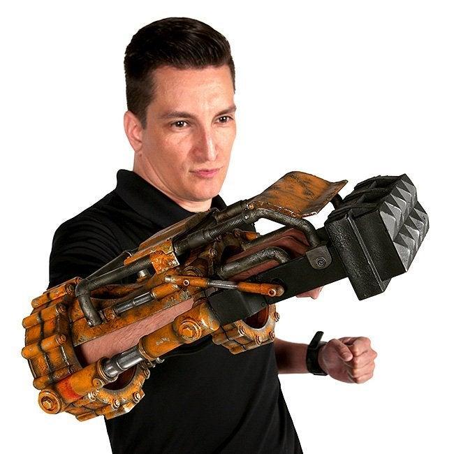 ktgi_fallout_11_power_fist_replica_alt3