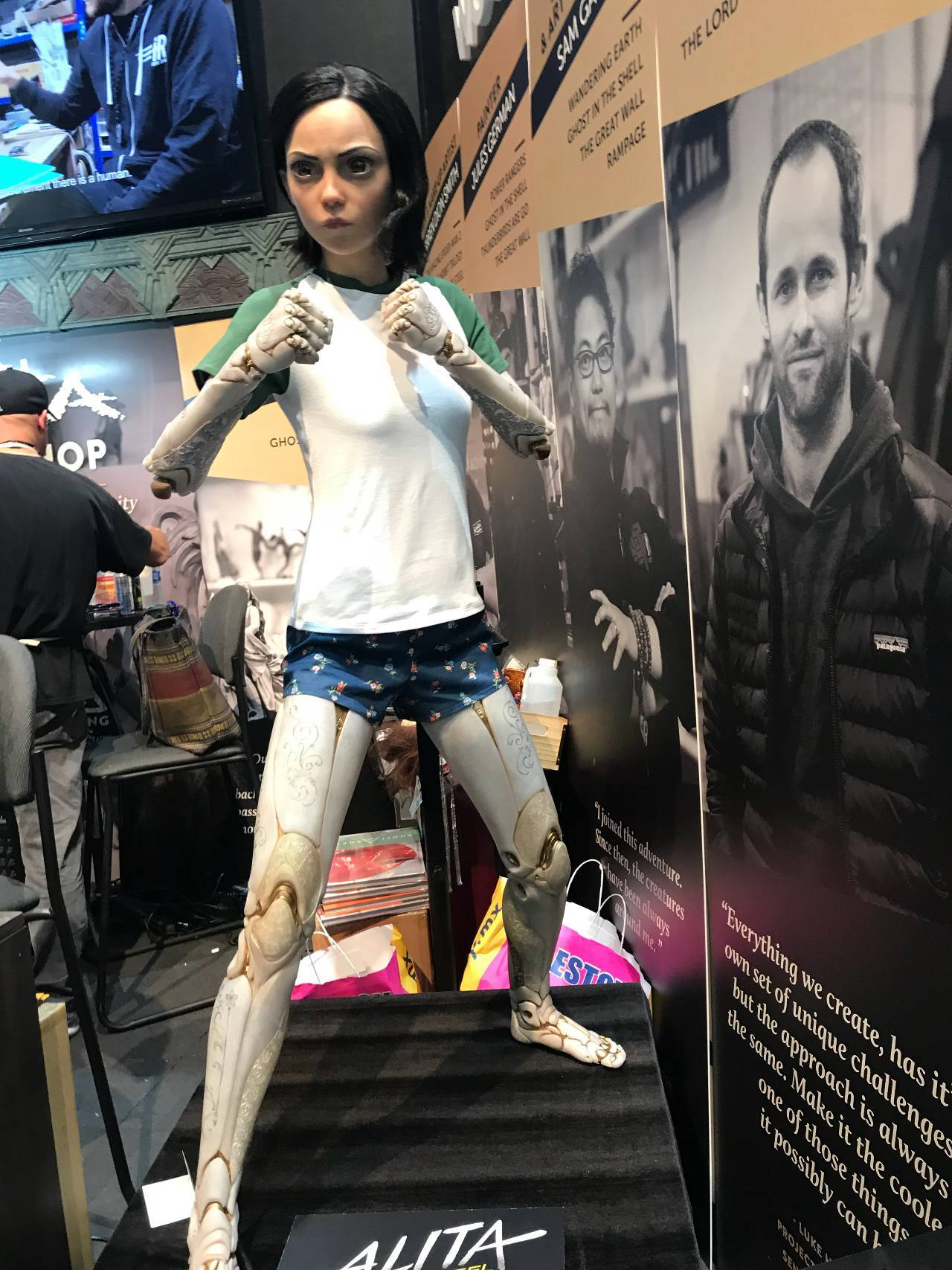 Alita Battle Angel Trailer >> 'Alita: Battle Angel' Reveals New Look at Alita at SDCC