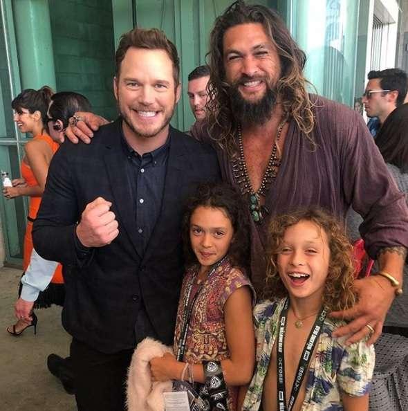 Jason Momoa S Cutest Dad Moments On Instagram: 'Aquaman' Star Jason Momoa Poses With Chris Pratt At SDCC
