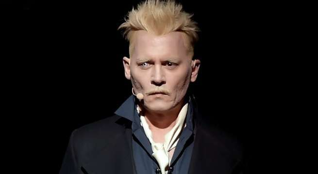 Johnny Hallyday Age >> Johnny Depp Appears at Same Warner Bros. Comic-Con Panel as Amber Heard