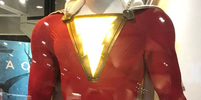 shazam-costume-detailed-close-up