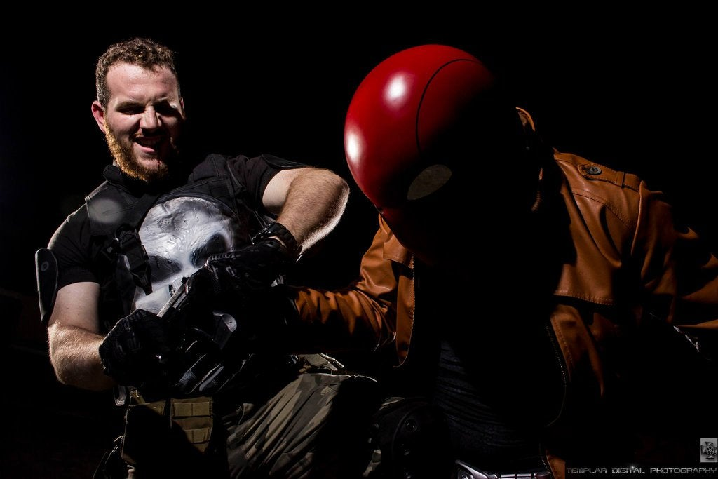 Super Power Beat Down: The Punisher vs. The Red Hood