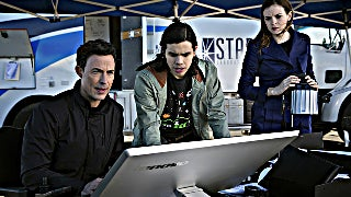 the-flash-wells-cisco-caitlin