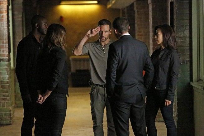 Agents Of SHIELD Season 2 Episode Sneak Preview Heavy Is The Head