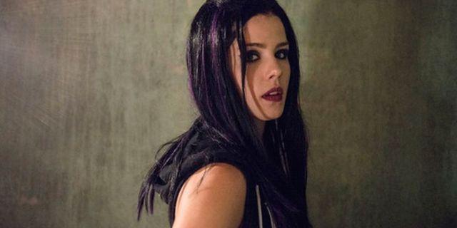 Arrow - Episode 3.05 - The Secret Origin of Felicity Smoak - Promotional Photos