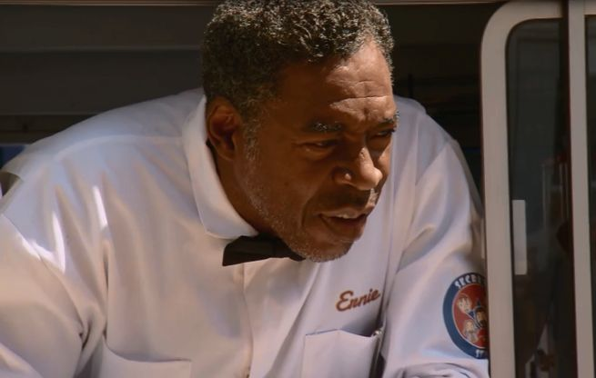 Ghostbuster Ernie Hudson Guest Stars On Comic Book Men Midseason Finale