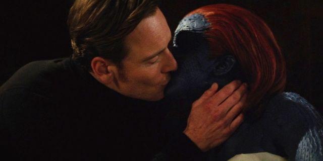 Magneto Mystique kiss