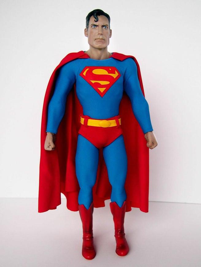 [Sideshow] DC Comics: Superman Sixth Scale - LANÇADO!!! - Página 3 Superman-hot-toys-2-115909