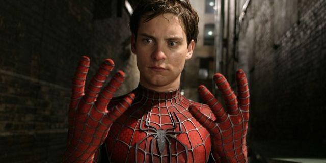 Tobey-Maguire-as-Spider-Man-in-Spider-Man-2-66-960x639