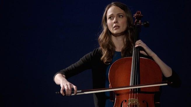 s1e19-audrey-cellist (1)