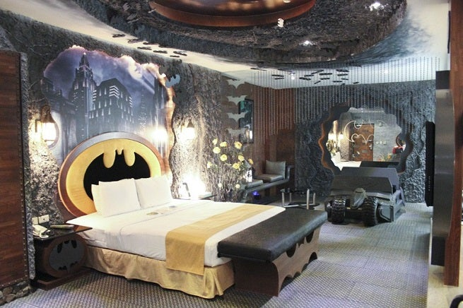batman hotel room is awesome