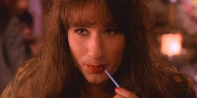 David-Duchovny-as-Agent-Denise-Bryson-in-Twin-Peaks