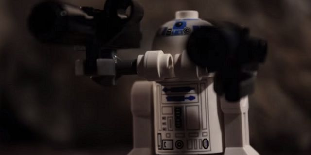 r2 d2 unrestrained