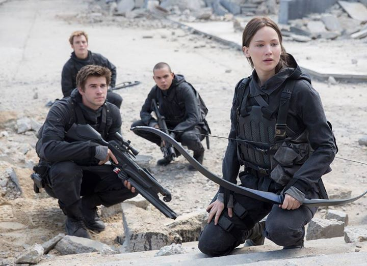 Jennifer Lawrence Shares Hunger Games: Mockingjay Part 2 Photo