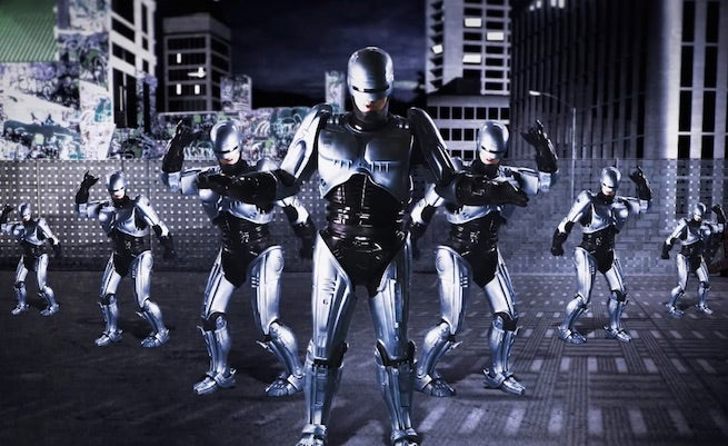 Robocop Takes on Terminator In Epic Rap Battle