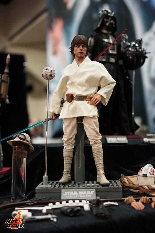 Action Figures - Page 9 Hot-toys---sdcc2015---preview-night-pr23-143220