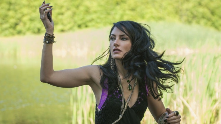 Madchen Amick Cast In American Horror Story Hotel