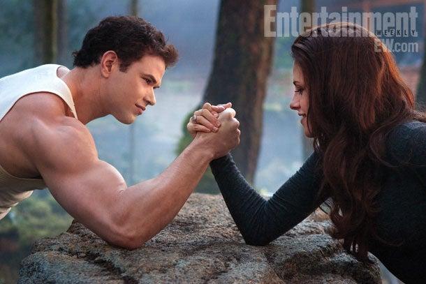 10 Twilight: Breaking Dawn Part 2 Photos Arrive Online