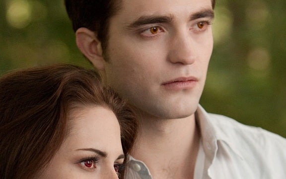 Pattinson's Snarky Thoughts on Twilight Collected in Video