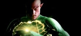 Sinestro_Turns_into_a_Yellow_Lantern