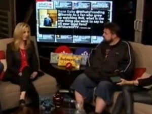 Lisa Kudrow & Kevin Smith Talk Ashton Kutcher