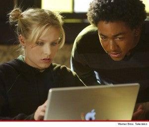 Kristen Bell and Percy Daggs III in Veronica Mars