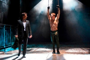 """Arrow -- """"Sacrifice"""" -- Image AR123a_0022b -- Pictured (L-R): John Barrowman as Malcolm Merlyn and Stephen Amell as Oliver Queen -- Photo: Diyah Pera/The CW -- © 2013 The CW Network. All Rights Reserved"""