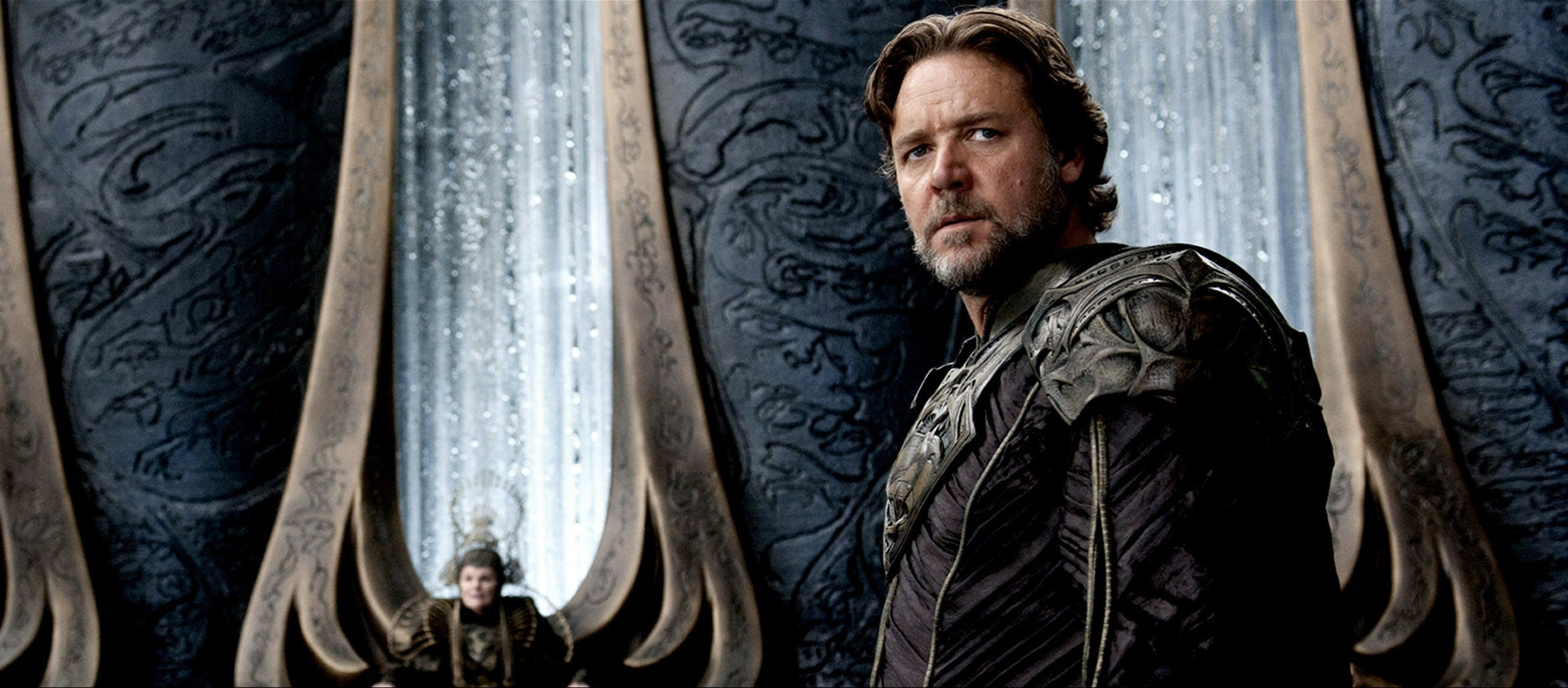 Man of Steel Prequel? Russell Crowe Says Talk to Legendary