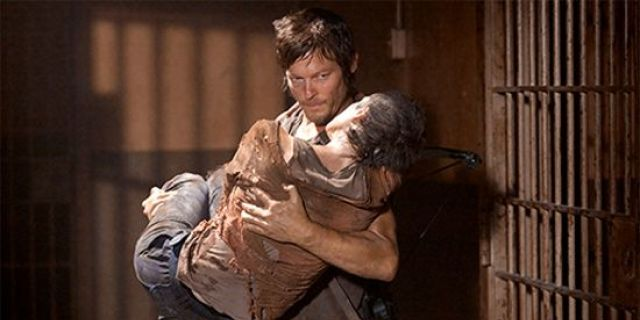 the-walking-dead-daryl-and-carol
