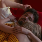 affleck-and-joey-lauren-adams-in-bed