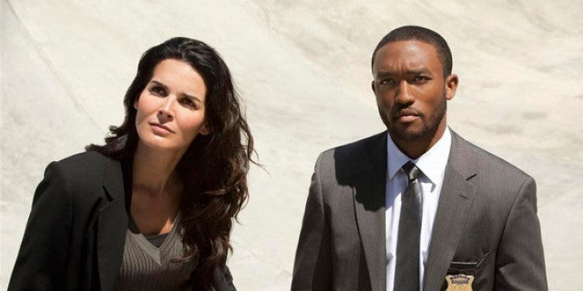 rizzoli-isles-angie-harmon-lee-thompson-young