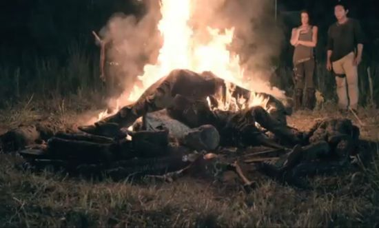 The Walking Dead Season 4 Premiere Zomibe Campfire