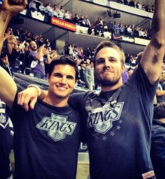 Stephen-Amell-Robbie-Amell